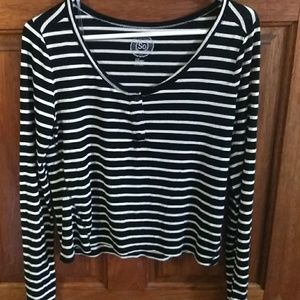 Black white stripe shirt.